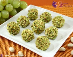I made these recently for a cocktail party.  They were deicious, grapes covered with gorgonzola then rolled in crushed pistachios.