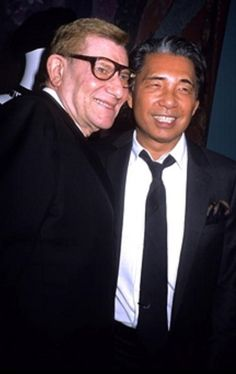 Yves Saint Laurent et Kenzo le 2 Octobre 2006.  Fondation Pierre Bergé /Yves Saint Laurent.  Getty Images.