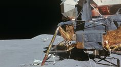 602_HD_Space_wallpapers_Various_Sises-99.jpg_Apollo_15_-_LM_and_astronaut_in_background.jpg (2340×1316)