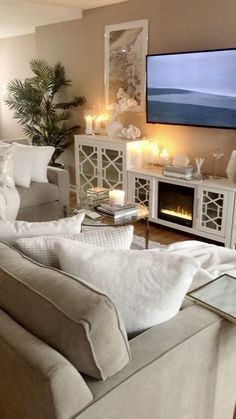 Living Room Decorating Ideas And Stylish Beautiful. We have assembled our favorite small living room ideas to help make your room feel more spacious. Glam Living Room, Living Room Decor Cozy, Cottage Living Rooms, Apartment Living, Cosy Apartment, Home Room Design, Home Interior Design, Family Room Design, Small Living Room Designs