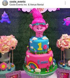 Cake with lemon crown - HQ Recipes 2nd Birthday Party Themes, Custom Birthday Cakes, Trolls Birthday Party, Troll Party, 1st Birthday Girls, Birthday Party Decorations, Birthday Ideas, Trolls Poppy, Aaliyah Birthday