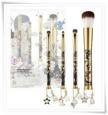 tokidoki 24 KARAT EDITION Pittura Brush Set, NEW by Tokidoki. $37.00. Unicorno Eyeliner/ Lip Brush. tokidoki 24 KARAT EDITION Pittura Brush Set. NEW In a box. This set contains four makeup brushes:. Ciao Ciao Star Powder Brush, Latte Eyeshadow Brush, Adios Star Smudge Brush,. What it is:A set of four makeup brushes detailed with metallic colors and tokidoki charms. What it does: The criminally cute 24-karat crew of tokidoki characters comes to life with this set of prof...