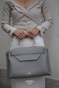 Discover our newest addition to the premium leather VIADUKT WORK collection: Slate Gray! A sophisticated and elegant addition to all your business outfits. Zurich, Work Today, Business Outfits, Women Empowerment, Take That, Grey, Leather, How To Wear, Bags