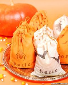 Halloween Treat Bags How-To