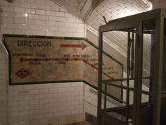 Arquitectura bajo tierra del pasado: las estaciones de metro fantasma