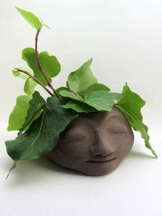 Ceramic head planter, brown clay - Atelier Saskia Lauth / France - www.saskia-lauth.com: