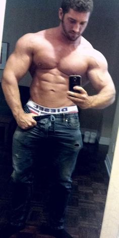 Só gigantes! Página mostra os musculosos mais cobiçados da internet – Superpride