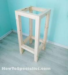 This step by step diy project is about how to build a wood bar stool. If you want to learn more about building a wooden bar stool, pay attention to the instructions. Diy Bar Stools, Diy Stool, Wooden Bar Stools, Wood Stool, Diy Chair, Bar Chairs, Lounge Chairs, Dining Chairs, Office Chairs