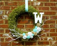 Spring Moss and Rosette Wreath! A reminder that Spring is right around the corner! #Crafts #Wreath