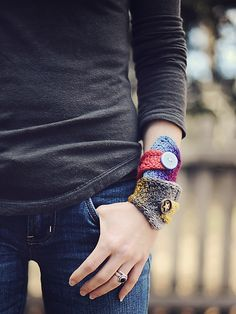 Odd Ends Bracelet Cuffs: free knitting pattern
