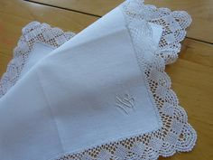 Bobbin Lace Applique Bridal Wedding Antique handkerchief Gorgeous! from the Art Nouveau period Very nice precious piece, probably at the end