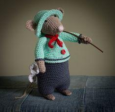 Haken en haakpatronen. amigurumi, haaksels, tutorial, patronen en patroontjes die ik heb gehaakt. Diy Crochet Patterns, Amigurumi Patterns, Crochet Hats, Beatrice Potter, Rat Toys, Crochet Animals, Toddler Toys, Softies, Dinosaur Stuffed Animal