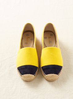 These colourblock espadrilles are a fabulous, oh-so-simple way to brighten up your wardrobe (and your entire day). Your feet will thank you for it.
