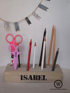 Handige #opberger voor pennen, potloden en knutselspullen voor op ieder #buro.