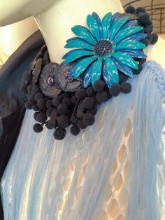 #mazzinidonnalugo #necklace #uniquehandmade #vintagebuttons #vintagebrooch #doloresesimonettabijoux