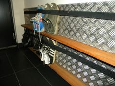 Shoe organization idea for a narrow closet: aluminum stair tread, narrow ledge, and a wide elastic band. or curtain tension rod or shower tension rod Wall Shoe Storage, Diy Storage, Shoe Storage Narrow Space, Storage Stairs, Storage Ideas, Narrow Closet, Narrow Shoes, Shoe Organizer, Master Closet