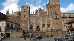 Guadalupe, Cáceres - Los monasterios más impresionantes de España