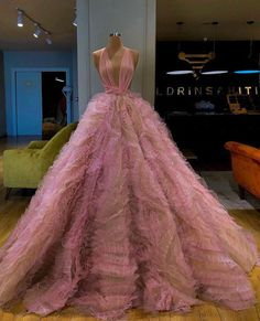 """Beautiful dresses by Valdrin Sahiti"" Gala Dresses, Event Dresses, Couture Dresses, Fashion Dresses, Formal Dresses, Pageant Dresses, Quinceanera Dresses, 15 Dresses, Wedding Dresses"