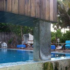 Mexico  <3 Be Tulum Het Be Tulum biedt eenvoudig toegang tot de Caribische Zee en veel recreatieve mogelijkheden. Gasten kunnen in de buurt van het hotel gaan zwemmen met dolfijnen, snorkelen en vissen. Er zijn ook veel themaparken in de buurt, waaronder Xcaret en Xel-Ha.  Uw suite in Be Tulum heeft onder meer een iPod-dock en een eigen balkon. Verder heeft een suite een eigen zwembad of een jacuzzi.