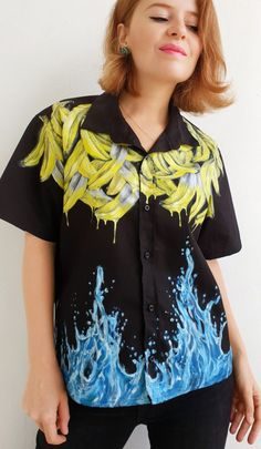 Handpainted bananas shirt by the artist Dariacreative Painted Clothes, Dye T Shirt, Bananas, Diy Clothes, Hand Painted, Photo And Video, Trending Outfits, Womens Fashion, Art