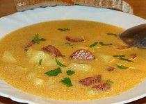 Bramborová polévka s klobásou a smetanou