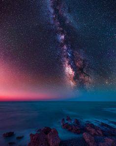 Island of Crete. Beautiful Sky, Beautiful Landscapes, Photo Trop Belle, Amazing Photography, Nature Photography, Sky Full Of Stars, Galaxy Wallpaper, Milky Way, Stargazing