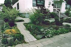 Save Your Money with The Cheap Landscaping Ideas for Small Yards : Cheap Landscaping Ideas For Small Yards In The Front House