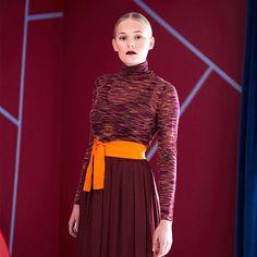 Rød Fløyel FR1196. En mystisk dyp rødtone, som skaper en lun og luksuriøs stemning i rommet. #ÅretsFarge2017#Rød#burgunder#Fløyel#Fargekart#urban#Fargerike#fargekart#burgundy#red#inspirasjon#inspiration High Neck Dress, Turtle Neck, Sweaters, Dresses, Fashion, Turtleneck Dress, Vestidos, Moda, Fashion Styles