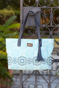 Hello, Lovely! Spring 2015: Blue Me Away Tote