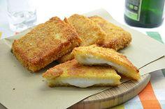 La mozzarella in carrozza è una ricetta tipica della regione Campania, un modo diverso e sfizioso di mangiare la mozzarella, secondo la ricetta rigorosamente di bufala....