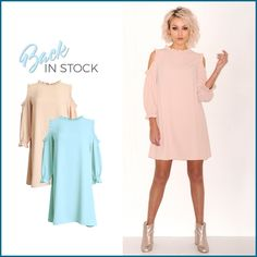 Yes! Deze jurken zijn terug in stock en nu ook verkrijgbaar in lichtblauw. Shop via https://www.bobotremelo.be/webshop/jurken/korte-jurken/roze-jurk-frons.13076