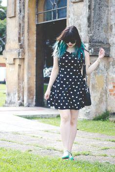 Look: Vestido estampado com corações | Melina Souza