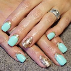 nails, accent nail, gelish, shellac, gellac, nail art, green, mint, gold, reverse french, french, glitter, shimmer