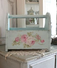 ❤(¯`★´¯)Shabby Chic(¯`★´¯)°❤ … Shabby Vintage Style Roses Tote - Debi Coules Romantic Art Shabby Chic Mode, Shabby Chic Bedrooms, Shabby Chic Style, Shabby Chic Furniture, Shabby Chic Decor, Painted Furniture, Shabby Chic Pink, Handmade Furniture, Rustic Furniture