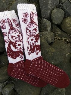 Baby Mittens Knitting Pattern, Lace Knitting Patterns, Knitting Socks, Hand Knitting, Knitted Hats, Patterned Socks, Yarn Crafts, Knit Crochet, Ravelry