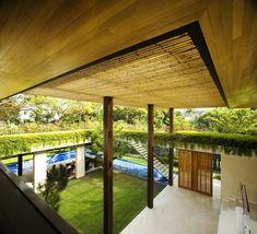 bambus dach tangga wohnhaus design von guz architects