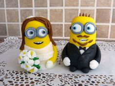 Fondant Wedding  Cake Topper (bride and groom)