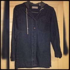 2 for $10 Brand ;; Marsh Landing Blues jacket  Size ;; Medium Condition ;; Like New  Smoke Free Home ❗️  Clean. Can 'refresh' once sold. No stains / rips / tears / holes.   Happy to listen to offers   Thanks for looking   Happy Poshing!  X Mellissa X Marsh Landing  Jackets & Coats Jean Jackets