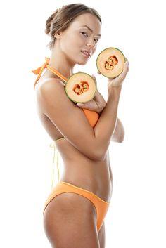 Slabeste cu dieta cu pepene galben in doar doua zile! Iata care sunt principiile curei si ce meniu trebuie sa urmezi! Lemonade, Drinks, Beauty, Drinking, Beverages, Drink, Beauty Illustration, Beverage, Root Beer