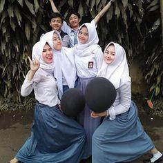 Boy And Girl Best Friends, Boy Or Girl, Besties, Bff, Muslim Fashion, Ulzzang Girl, Squad, Like4like, Teen