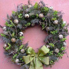 Easter Wreaths, Christmas Wreaths, Christmas Bulbs, Christmas Decorations, Holiday Decor, Ester Decoration, Easter Flower Arrangements, Spring Design, Arte Floral