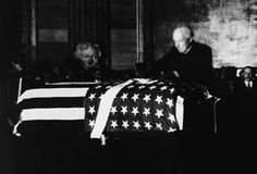 Warren Harding, Warren G, Unknown Soldier, Famous Graves, Deathly Hallows, Funeral, American History, Presidents, Families