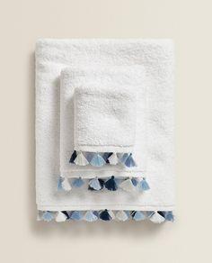 Zara Home Towels, Bathroom Towels, Bath Towels, Crochet Towel, Jack And Jill Bathroom, Zara Home Collection, Textiles, Kids Bath, Cotton Towels