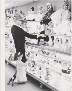 "Postcard ""The Doll Department"" 1966 Hess's Dept Store Allentown PA 