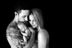 Brisbane newborn photographer 10 days old newborn pose with parents dad with tattoo