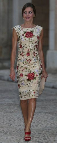 Queen Letizia of Spain at a dinner hosted for the Balearic authorities at the Almudaina Palace on August 4, 2017 in Palma de Mallorca, Spain.