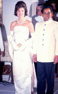Jackie Kennedy wearing Oleg Cassini while visiting India in 1962