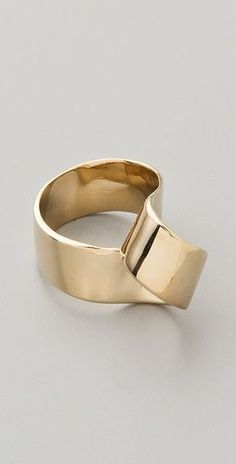 metal ribbon twist ring