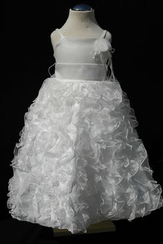 #bridesmaid #swan #flowergirl #wedding