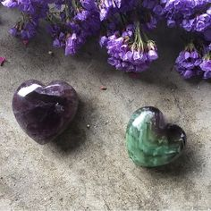 """155 Me gusta, 1 comentarios - Chakra Zulu Crystals (@chakrazulucrystals) en Instagram: """"Fluorite hearts are also up in the shop!!! 💜 click the link in my bio 👆🏾to take a peek👀✨😊 . .…"""""""